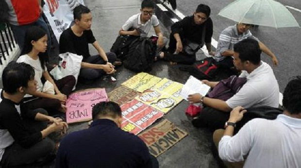 Fahmi Zainol said although there are only 10 students so far at #OccupyParliament, the protest will continue as it is crucial for students to defend their country. — Picture courtesy of Fahmi Zainol