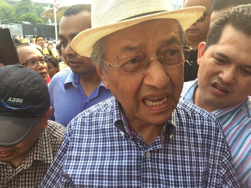 Tun Dr Mahathir Mohamad speaks to reporters at the Bersih 4 rally in Kuala Lumpur, August 30, 2015. — Picture by Kamles Kumar
