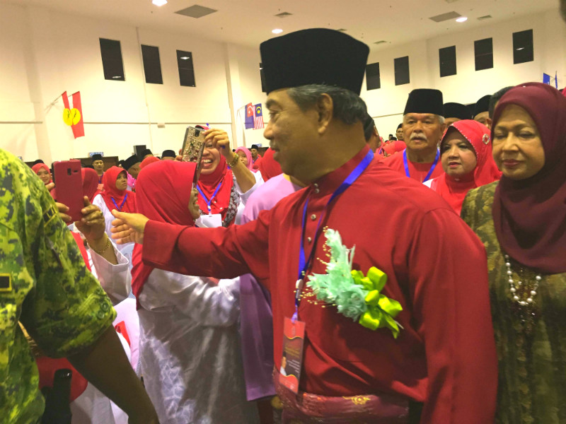 Tan Sri Muhyiddin Yassin said he would continue to speak up on the 1MDB scandal. — Picture by Kamles Kumar