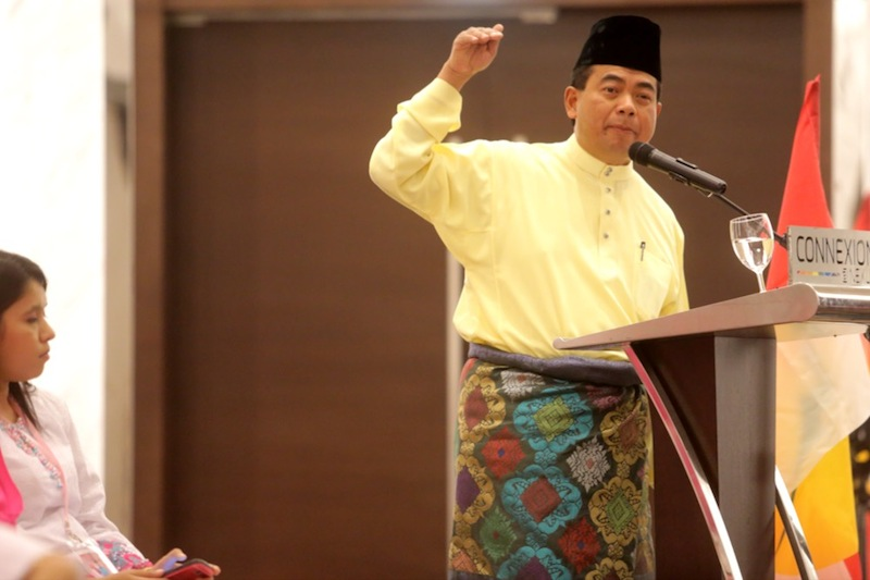 Datuk Abdul Aziz Kaprawi claimed that Pakatan Harapan was pitting Malays and Chinese against each other to create racial tension in their bid to win the two coming by-elections. — File pic