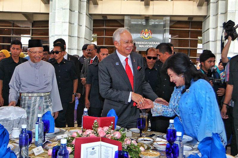Prime Minister Datuk Seri Najib Razak attends the Finance Ministry's Aidilfitri celebration at the Finance Ministry Complex, Putrajaya, August 3, 2015. — Picture by Saw Siow Feng