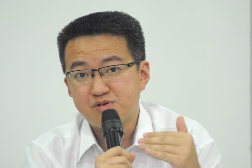 DAP Johor chief Liew Chin Tong cited how Selangor had recently announced a RM73.87 million aid package while Penang had approved a RM20 million financial assistance package to help those affected by the second round of the movement control order (MCO). — Picture by KE Ooi