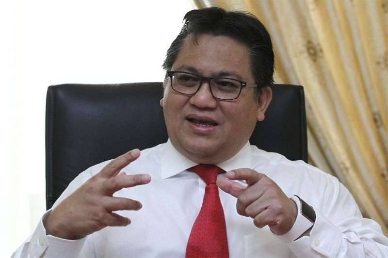 Datuk Nur Jazlan Mohamed has clarified that the NRD inserts 'bin' or 'binti' for all Muslim children, regardless of their ethnicity, for legal reasons such as determining lineage for inheritance purposes. ― Picture by Yusof Mat Isa