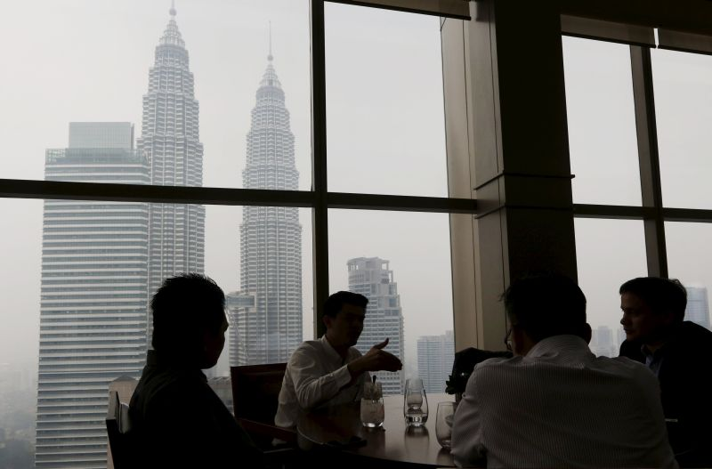 The Malaysian Employers Federation says the issue of unemployment and low starting salary among fresh graduates is temporary. ― Reuters pic