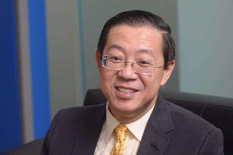 Penang Chief Minister Lim Guan Eng tells the Worldwide Veterinary Services to bring their experts on rabies and disease control to reveal their proposals to the authorities here. ― File pic