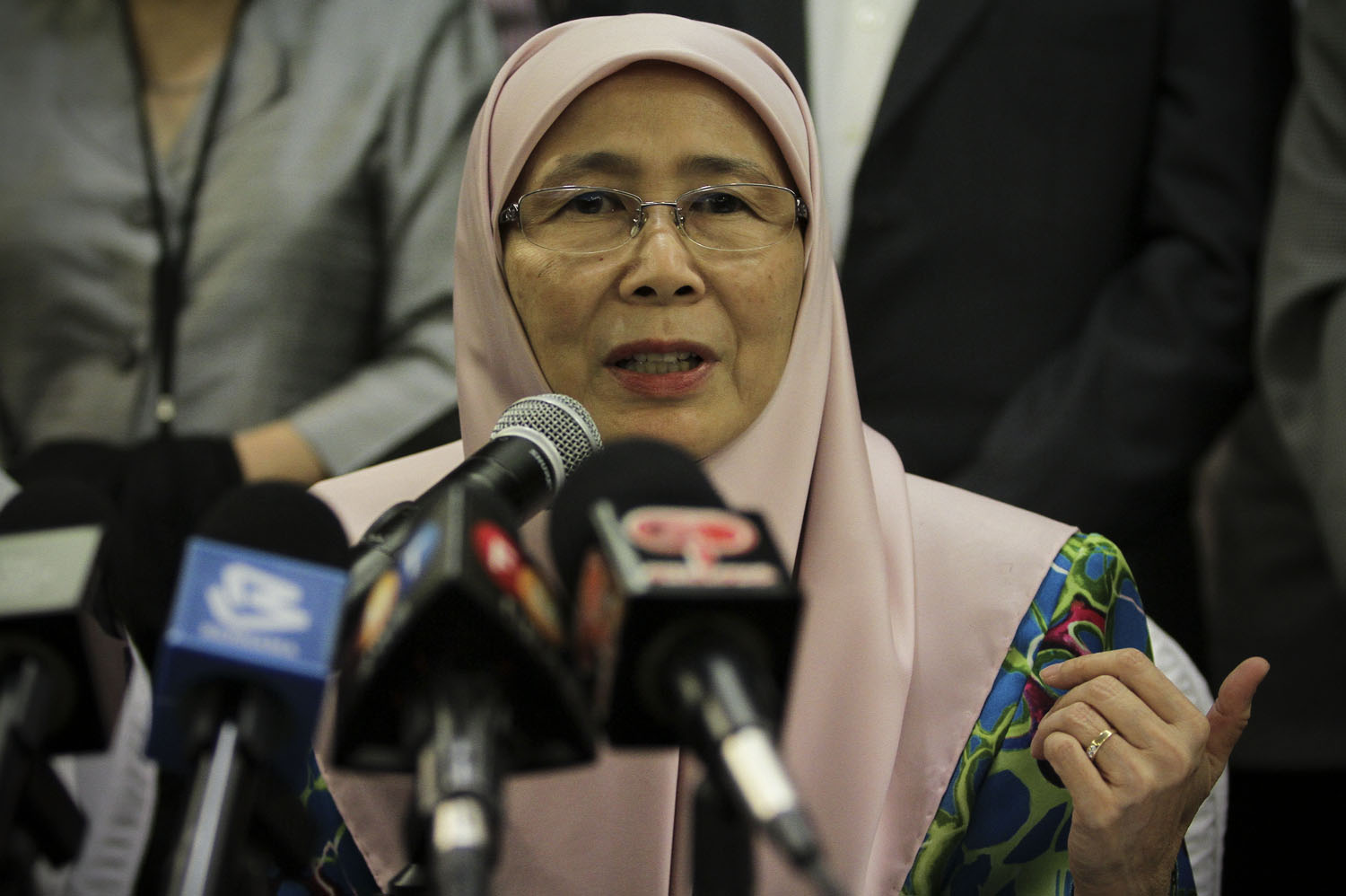 Opposition Leader Datuk Seri Wan Azizah Wan Ismail at a press conference in Subang, September 22, 2015. — Picture by Yusof Mat Isa