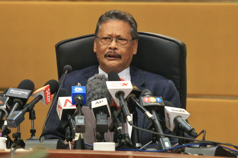 The Malaysian Bar is set to debate a motion, calling on Tan Sri Mohamed Apandi Ali to quit as Attorney-General, to restore public confidence and perception of the rule of law. ― Picture by Saw Siow Feng