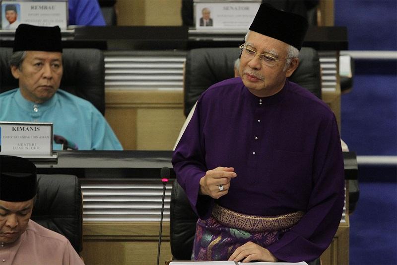 Prime Minister Datuk Seri Najib Razak tables the 2016 budget at Parliament in Kuala Lumpur, October 23, 2015. — Picture by Yusof Mat Isa