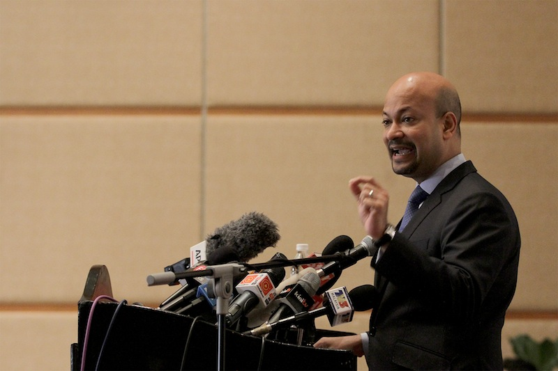 Last Wednesday, Pua challenged 1MDB president and group executive director Arul Kanda (pic) to a live televised talk show session following the latter's appearance in an interview conducted by national news agency Bernama. — Picture by Mohd Yusof Mat Isa
