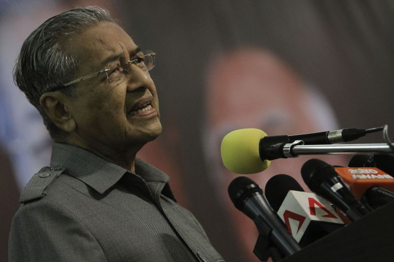 Former prime minister Tun Dr Mahathir Mohamad said the Attorney-General's repeated rejection of Bank Negara Malaysia's recommendations for action against 1MDB circumvented the rule of law. — File pic