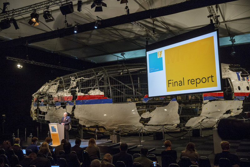 The Dutch final report on the MH17 crash allegedly criticised Malaysia for hindering investigation, a news report has claimed. File picture shows Tjibbe Joustra, chairman of the Dutch Safety Board, presenting the final report in Gilze Rijen, the Netherlands, October 13, 2015. — Reuters pic