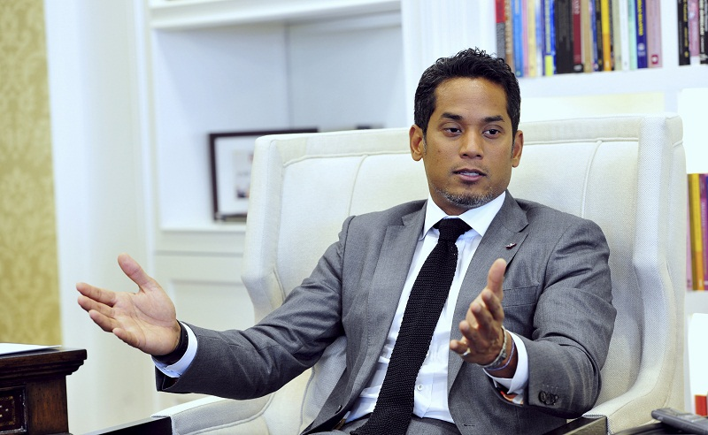 Youths and Sports Minister Khairy Jamaluddin highlighted that politicians' schedules were packed with breaking of fast events during the Muslim fasting month, lamenting that there was 'no time to reflect'. — Bernama pic