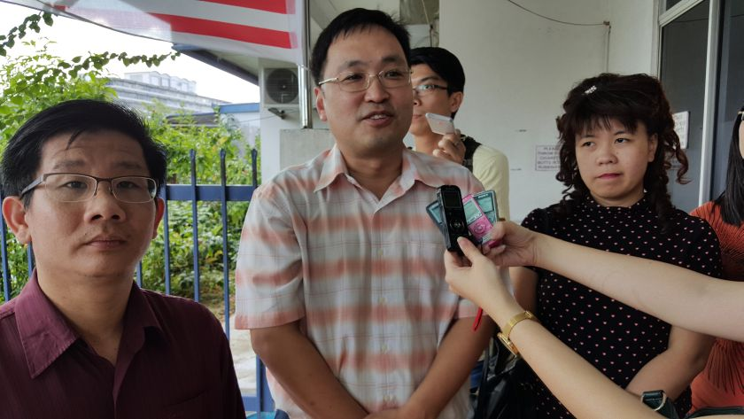 Sarawak DAP chairman Chong Chieng Jen (centre) said that the focus for Sarawak DAP should be to enhance the strength of the opposition. — Picture by Sulok Tawie