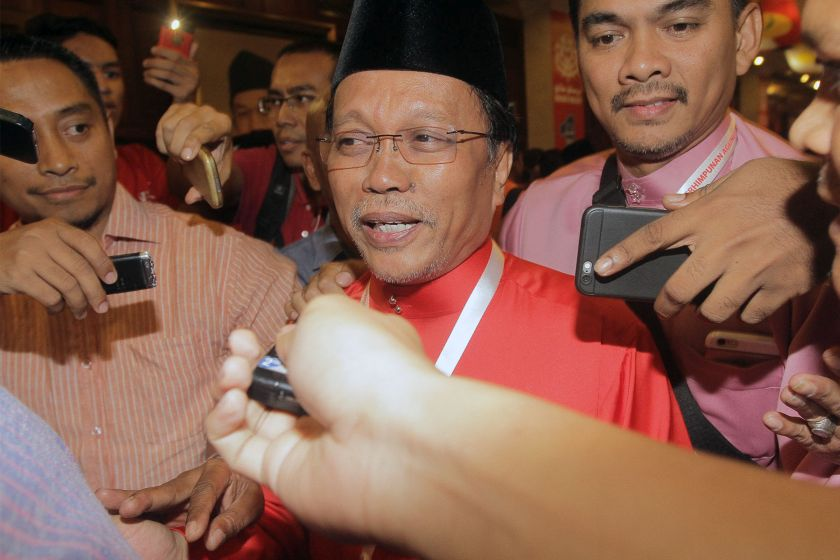 Shafie said he was 'saddened' and 'appalled' by the arrest of his younger brothers Datuk Yusof Apdal and Hamid Apdal. — Picture by Yusof Mat Isa