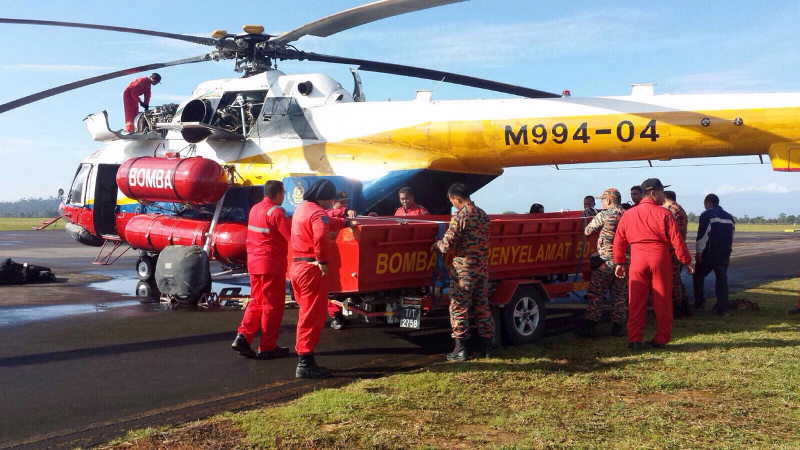 File picture of a search and rescue (SAR) team preparing for a search and rescue operation. — Bernama pic