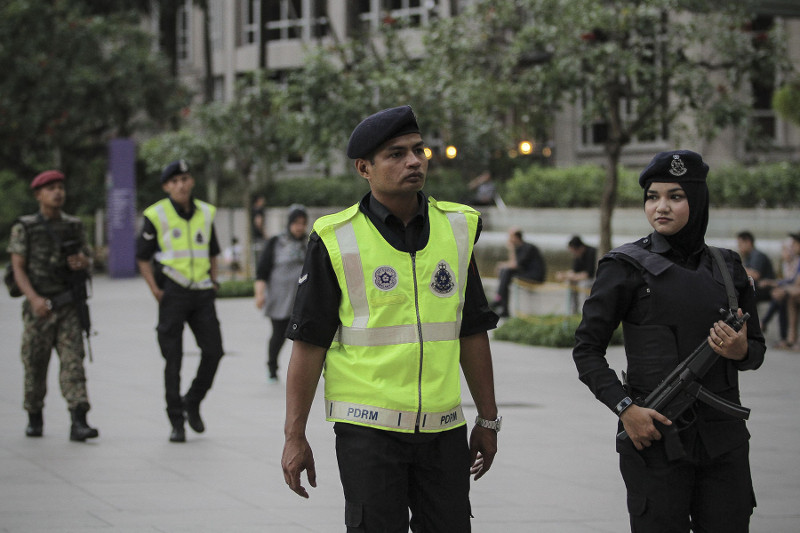 Policemen would be placed in big towns such as Damansara, Kajang, Ipoh and Bandar Melaka. — Picture by Yusof Mat Isa