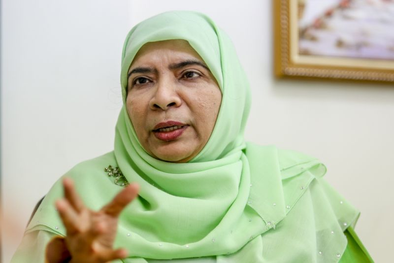 Greenview Islamic School principal Fatima S.A. Majeed speaks to Malay Mail Online in an interview on January 22, 2016. ― Picture by Saw Siow Feng