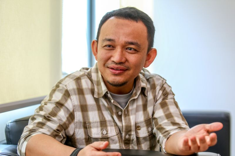 International Islamic University Malaysia academic Dr Maszlee Malik speaks to Malay Mail Online in an interview at Kuala Lumpur on January 26, 2016. ― Picture by Saw Siow Feng