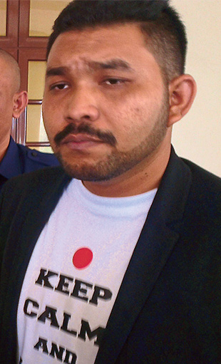 Blogger Papagomo in a 2014 picture at the time when he was sued for defamation by then Opposition leader Datuk Seri Anwar Ibrahim. — Picture by Pathmawathy Subramaniam