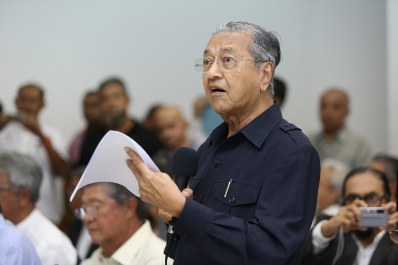 This is the first lawsuit against Najib by Tun Dr Mahathir Mohamad (pic), Malaysia's longest serving former prime minister who has been leading a campaign calling for the former's removal over alleged financial irregularities. — Picture by Saw Siow Feng