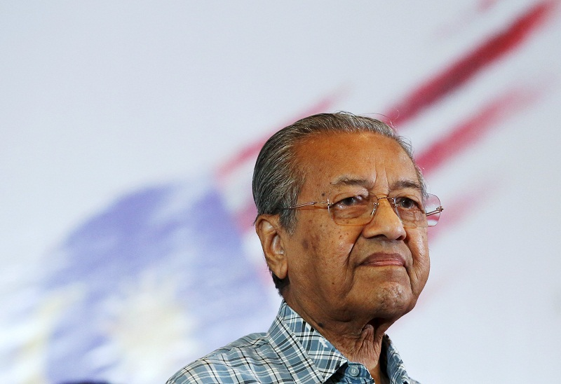 Former prime minister Tun Dr Mahathir Mohamad attends the Kongress Rakyat 2016 forum organised by the Save Malaysia movement in Shah Alam March 27, 2016. — Reuters pic