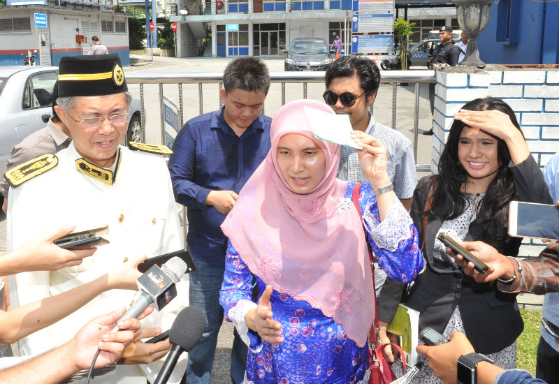 MP for Lembah Pantai Nurul Izzah Anwar will be questioned by the police, on March 7, 2016, in connection with her social media posting of Fahmi Reza's 'Najib-clown' artwork. — Picture by Choo Choy May