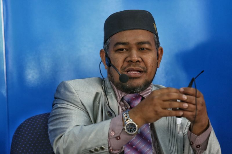 Datuk Mohd Khairuddin Aman Razali said the idea of a new political bloc comprising PAS was timely in light of the growing disquiet within Pakatan Harapan, which has come under fire because its leaders continue to bicker openly. ― Picture by Saw Siow Feng