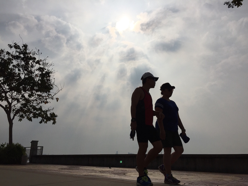 A couple takes a morning walk in George Town March 20, 2016. The ongoing heatwave is expected to continued in northern parts of Malaysia today. — Picture by KE Ooi