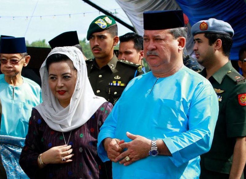 Johor's Sultan Ibrahim Iskandar (pic) says has Tun Dr Mahathir Mohamad has no right to interfere in his state. ― Picture taken from Sultan Ibrahim Iskandar's Facebook page