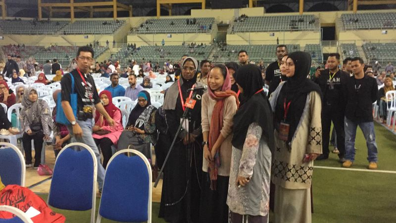 Michelle, formerly a Buddisht, was the third conversion of the night at Zakir Naik's lecture. — Picture by Kamles Kumar