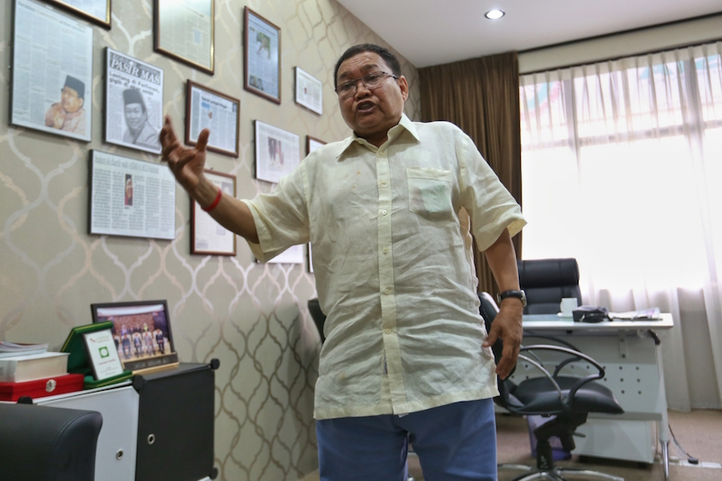Perkasa president Datuk Ibrahim Ali has written an 800-page autobiography titled 'The Misunderstood Man — The Untold Story.' — Picture by Saw Siow Feng