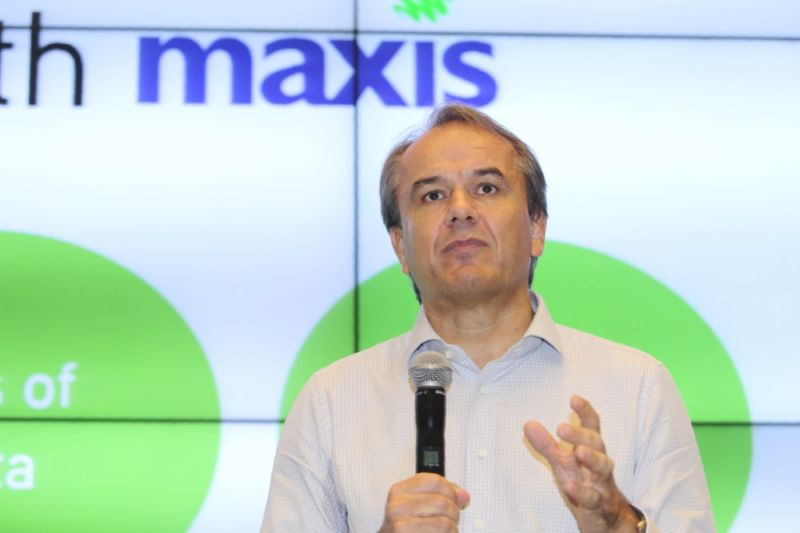Maxis Bhd chief executive Morten Lundal speaks at the MaxisOne plan launch in Kuala Lumpur, April 22, 2016. ― Picture by Choo Choy May