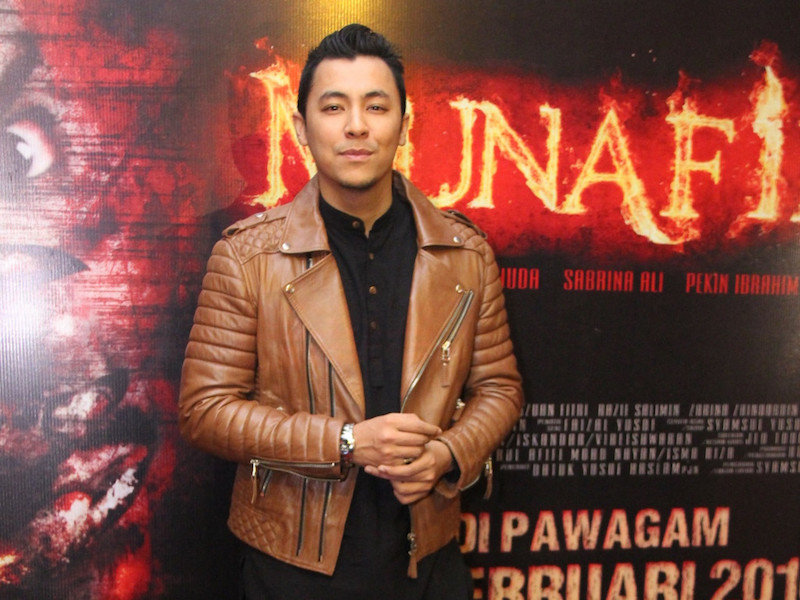 Syamsul Yusof won the Best Director award for 'Munafik' at this year's APFF. — CinemaOnline pic