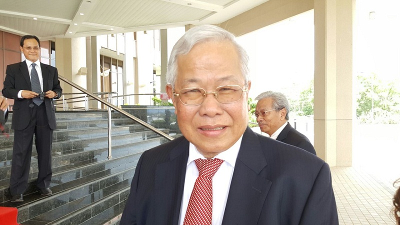 Sarawak Education, Science and Technological Research Minister Datuk Seri Michael Manyin Jaong said substantial funds is needed for the programme's success.— Picture by Sulok Tawie