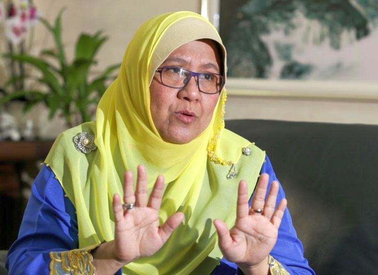 Children's Commissioner of Suhakam Prof Datuk Noor Aziah Mohd Awal said the Act defines children as those below the age of fifteen and allows them to work under several circumstances by virtue of its Section 2 (2). — Picture by Choo Choy May