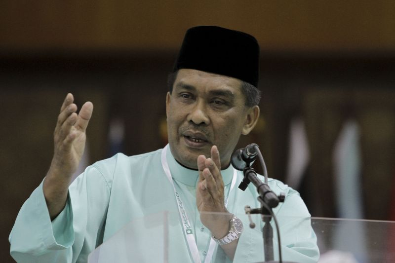 PAS secretary-general Datuk Takiyuddin Hassan PAS will set up a government advisory council for Kelantan and Terengganu. ― Picture by Yusof Mat Isa