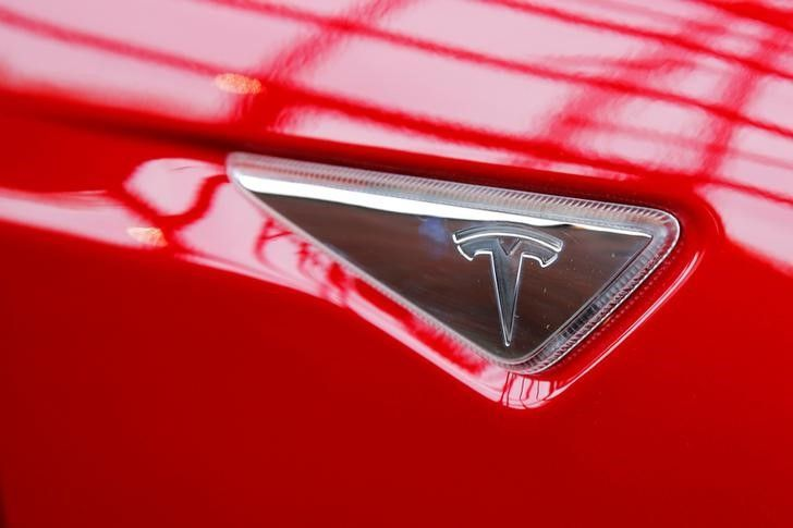 But in past weeks, Tesla executives attended at least four policy discussions, on topics including auto data storage, vehicle-to-infrastructure communication technologies, car recycling and carbon emissions, the people said. — Reuters pic