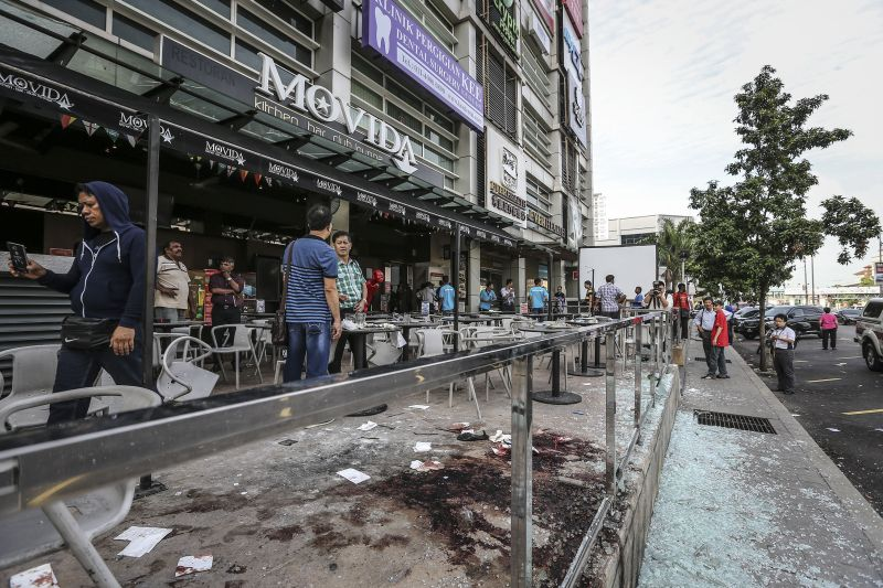 Selangor police have confirmed that blast occurred at about 2.15am this morning on the front porch of the Movida Bar and Lounge in IOI Boulevard in Puchong. ― Picture by Firdaus Latif