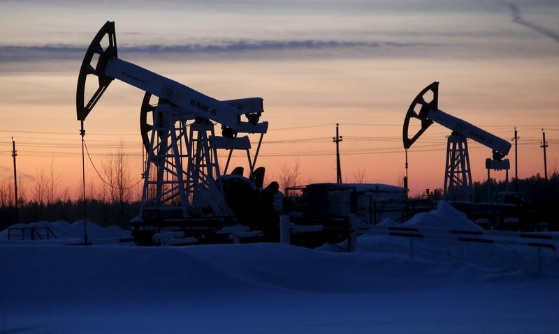 Oil price regained losses after government data showed that US gasoline supplies unexpectedly slipped. — Reuters pic