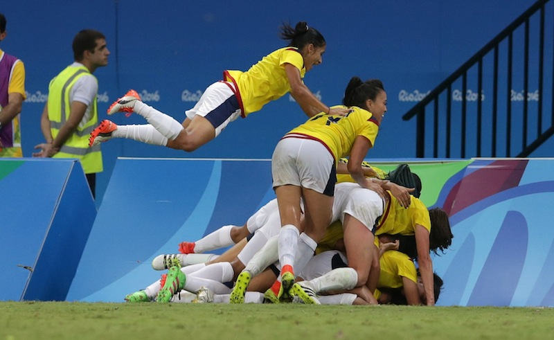 Colombia's players celebrate last-minute equaliser at Manaus, Brazil, August 9, 2016. — Reuters pic