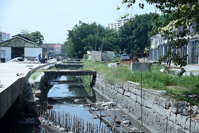 Archaeological excavations are now being carried out at the Sia Boey market site located along the Prangin Canal. — Picture by K.E.Ooi