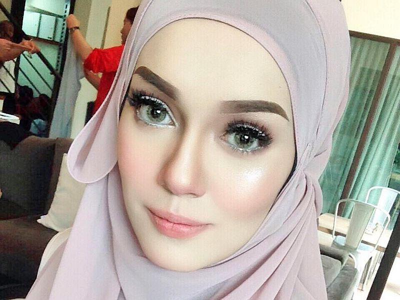 Local celebrity Uqasha Senrose admitted peer pressure from her bareheaded girlfriends may have contributed to her removal of the tudung, a Muslim symbol of modesty in women. ― Picture taken from Instagram