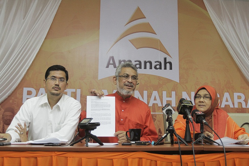 Siti (right) added that Amanah is not against improving the Shariah courts. — Picture by Yusof Mat Isa
