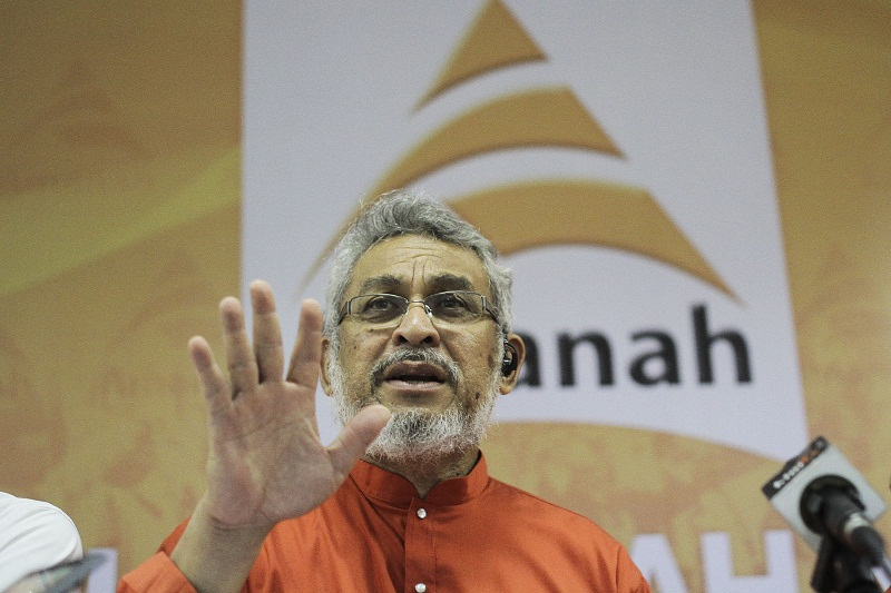 Amanah's Khalid Samad said his party would campaign on good governance in line with Islamic teachings. — Picture by Yusof Mat Isa