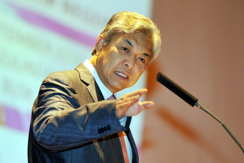 Datuk Seri Dr Ahmad Zahid Hamidi said Putrajaya did not consider the measures introduced by the Duterte administration to be right for Malaysia. ― Bernama pic