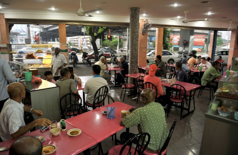 To score Grade A, eateries must fulfill the main conditions which includes the dress code. — Bernama pic