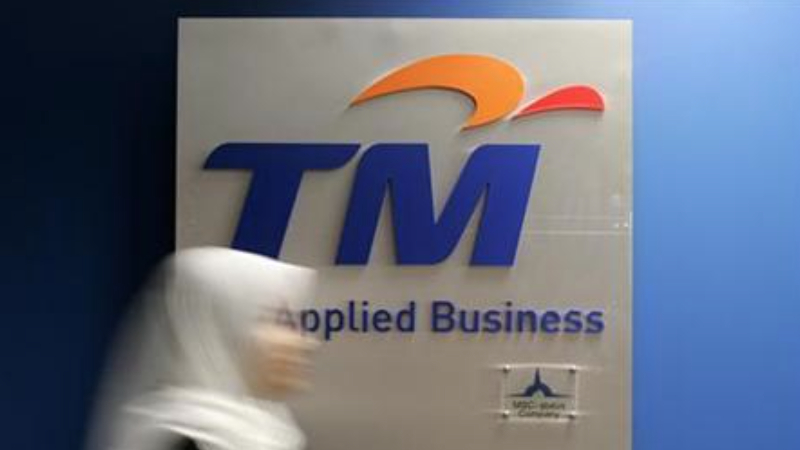 TM currently charges RM110/month for the base 1Mbps Streamyx plan. — Reuters pic