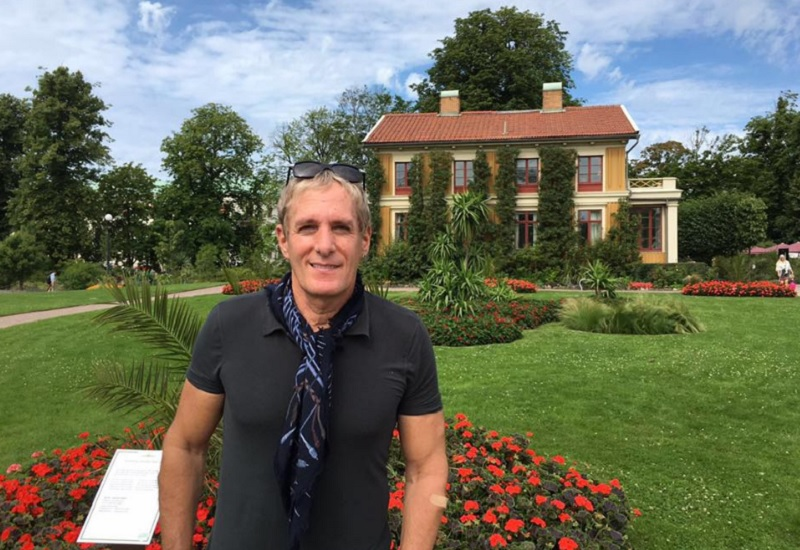 Singer Michael Bolton poses in front of a residence in Gothenburg, Sweden. — Picture via Facebook/Michael Bolton