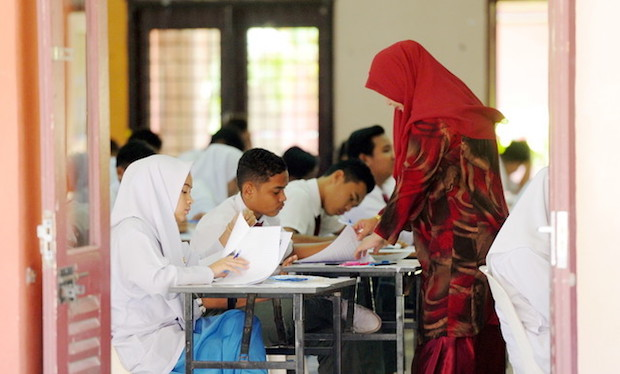 The Education Ministry says Form 3 DLP Science and Mathematics textbooks will only be out in March. — Bernama pic