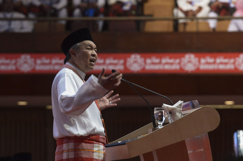 Umno vice-president Datuk Seri Ahmad Zahid Hamidi speaks at the opening of the Umno wings annual general assembly at PWTC in Kuala Lumpur November 29, 2016. — Picture by Yusof Mat Isa